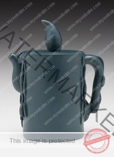 """(Yixing Province, China) """"Candle Teapot"""" 1990 stoneware 5 x 4.25 x 2.5"""" Photo: David H. Ramsey. 1999.60.45"""