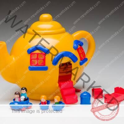 Bluebird Toys Ltd. (Swindon, England) Big Yellow Teapot House 1981