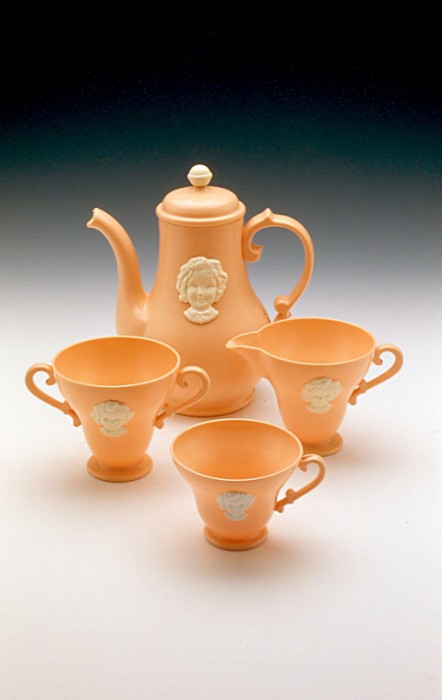 Ideal Novelty & Toy Co. Shirley Temple Tea Set