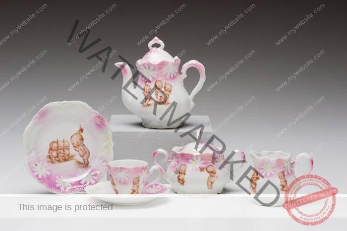 (Germany) Kewpie Tea Set