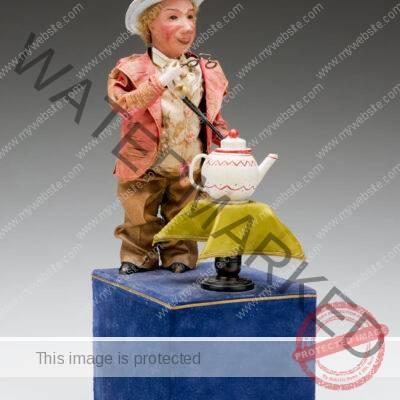 Louis Renou (France) Shrinking Magician Automaton