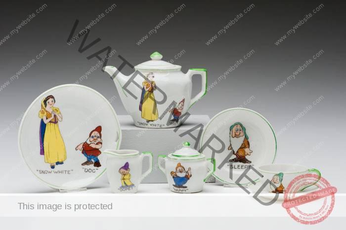 (Japan) Snow White Tea Set