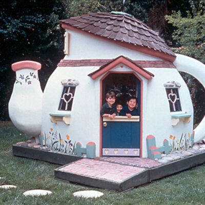 A teapot playhouse