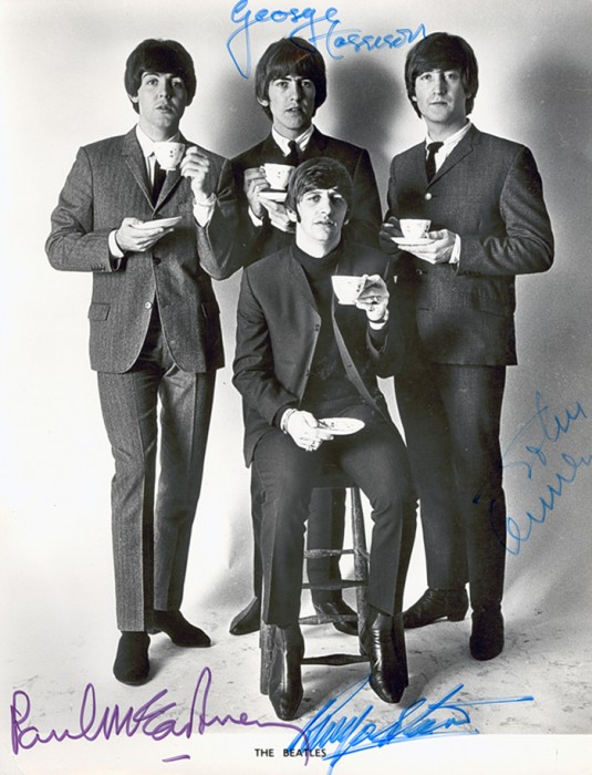 2015.53 Beatle pix