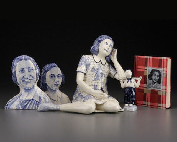 Laura (Red) Weldon Sandlin (American, b. 1958) <em>Hidden Identitea</em> 2009 ceramic, painted wood 20.5 x 22.2 x 9.5'' Photos: John Polack, courtesy of the Ferrin Gallery. 2009.51.14