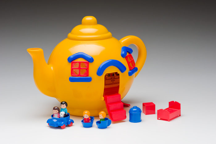 Bluebird Toys Ltd. (Swindon, England) Big Yellow Teapot House 1981