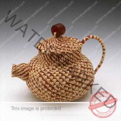 Leah Danberg teapot